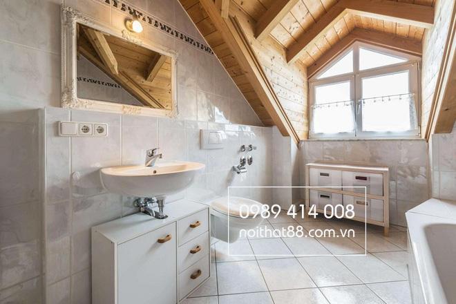 nhà tắm gác mái
