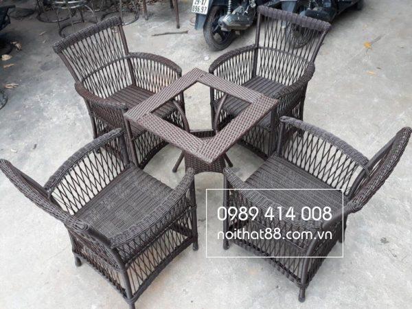 Ưu điểm của bàn ghế mây nhựa