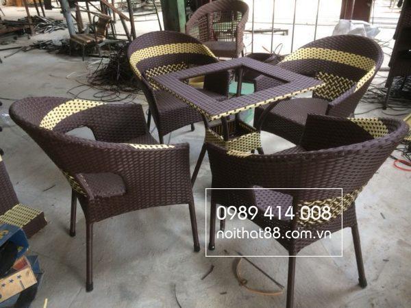 Rất nhiều kiểu dáng bàn ghế mây nhựa cho quán cafe vintage