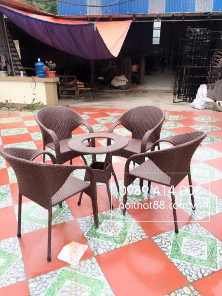 Hãy lựa chọn bàn ghế phù hợp với không gian quán