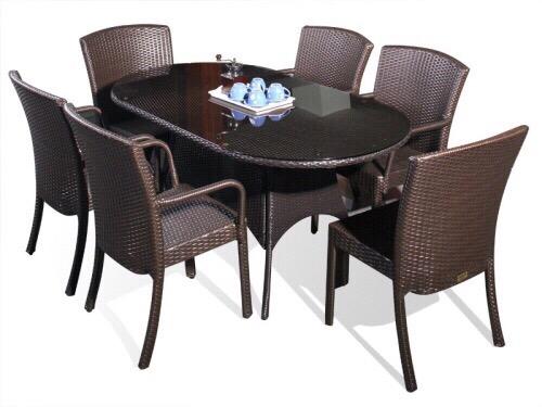 Bàn ghế ăn được làm từ sợi nhựa cao cấp