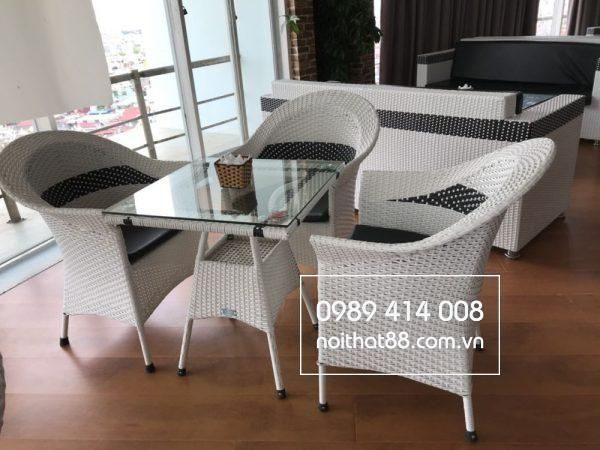 Ban Ghe Cafe May Nhua 1 600x450 2