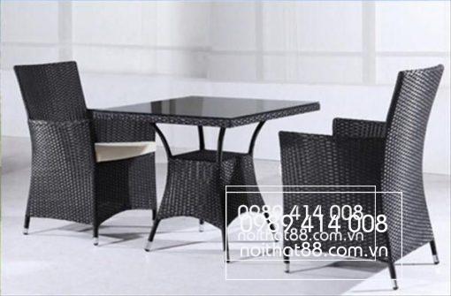 Ban Ghe Cafe Nhua Gia May 600x394 1