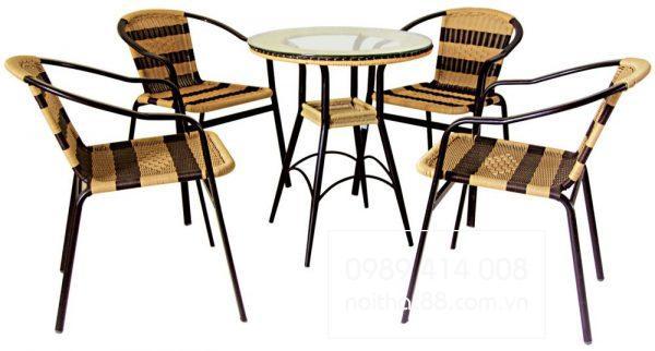 Mẫu bàn ghế cafe mây nhựa khá phổ biến
